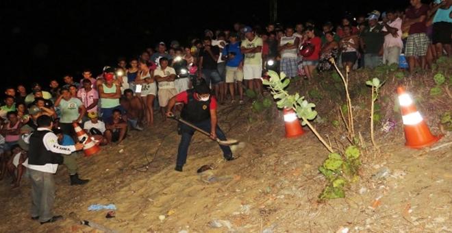 1 Homem é encontrado morto e enterrado com a cabeça de fora
