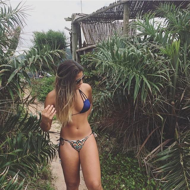 Filha de Romário exibe boa forma em foto só de biquíni e recebe elogios dos seguidores