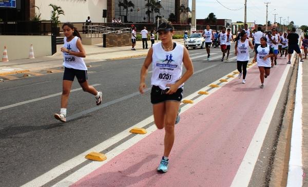 Seletiva para a Corrida de São Silvestre reúne atletas de todas as idades na Avenida São Sebastião