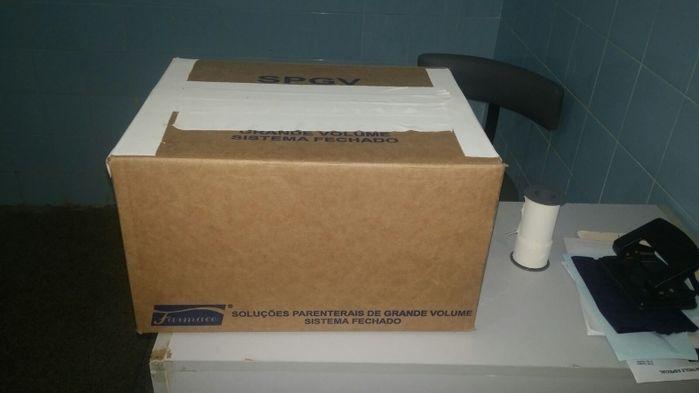 Família recebe corpo de criança em caixa de papelão em hospital