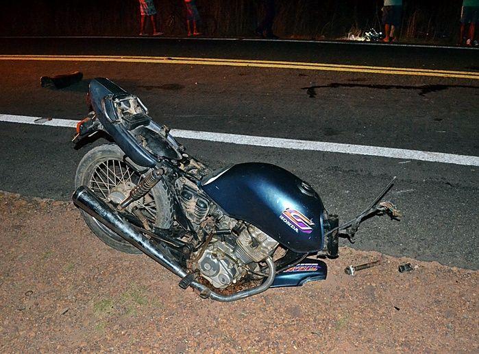 Moto se quebra ao meio e piloto morre em grave acidente na zona rural de Luís Correia