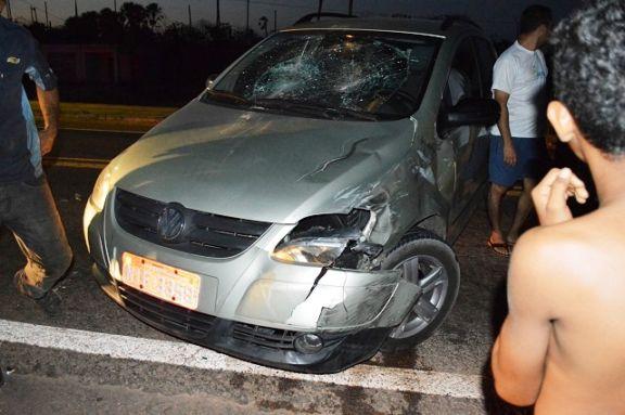 Adolescente de 16 anos fica ferido após colisão com carro na BR-343