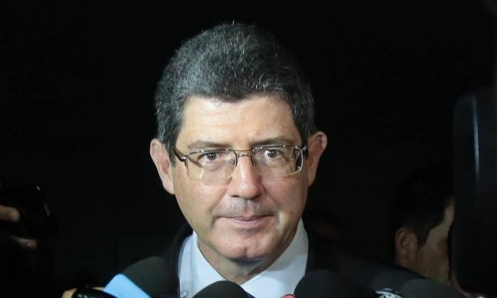 Ministro da Fazenda, Joaquim Levy, sinaliza saída do cargo em reunião do Conselho Monetário Nacional