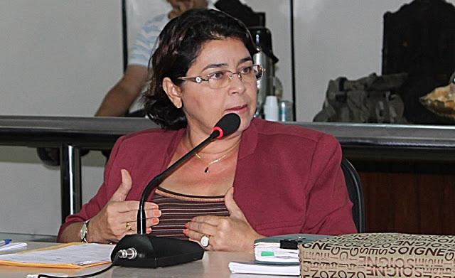 Vereadora Fátima Carmino desmente boatos e diz que permanecerá no PT