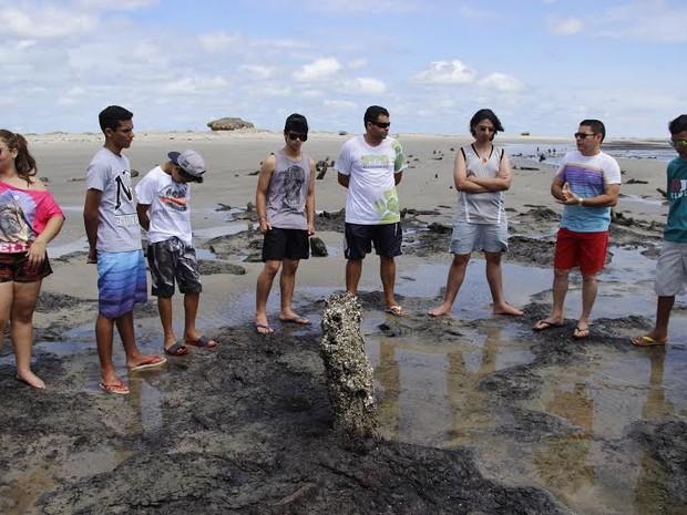 Expedição de alunos se transformou em um livro sobre Tutoia (Foto: Divulgaçã/ Marista Araçagy)