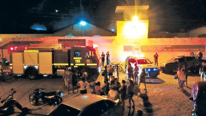 450 presos fazem rebelião e tentam fugir de presídio de Parnaíba após greve de agentes