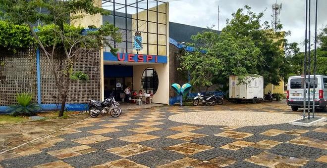 2016: Uespi aumenta número de vagas para cursos de graduação