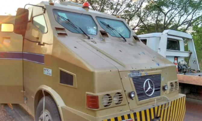 Bando fortemente armado toma carro forte de assalto em Floriano