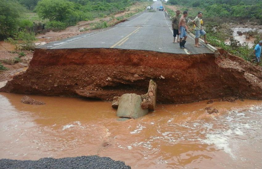 Chuvas interditam rodovias do Piauí em cinco trechos