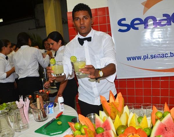 Pronatec em Parnaíba forma novos profissionais Bartenders e Garçons_04