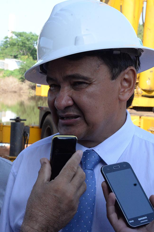 Governador do Piauí, Wellington Dias suspende negociações com servidores em greve