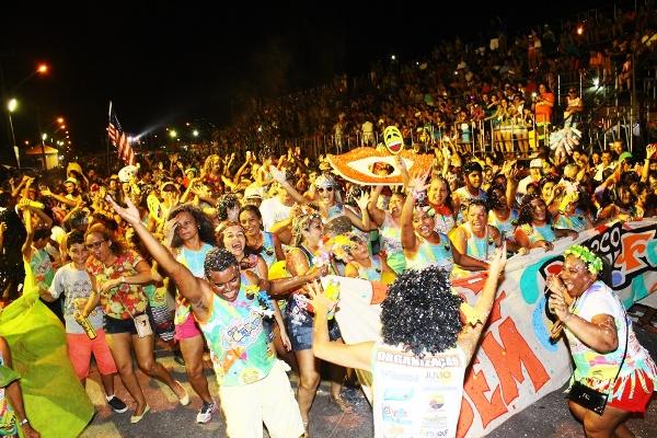 Sem Futuro é o bloco carnavalesco campeão 2016 de Parnaíba