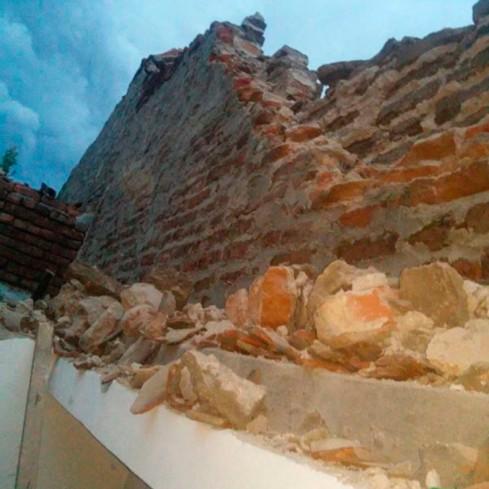 Após chuva, parede desaba e mata criança de quatro anos_02