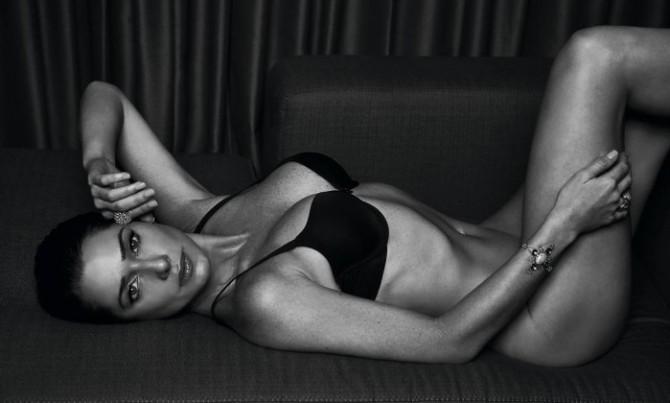 Atriz Letícia Spiller posa nua e exibe corpo perfeito aos 42 anos: 'É a arma da sedução'_02