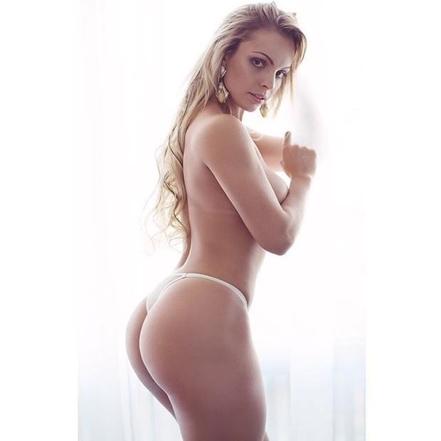 Miss Bumbum 2014 faz topless e causa alvoroço no Instagram