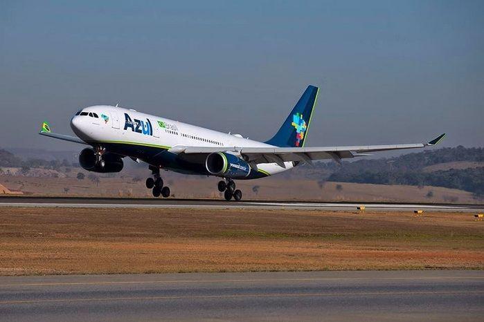 Avião da Azul tem dificuldade para pousar no Aeroporto Internacional de Parnaíba