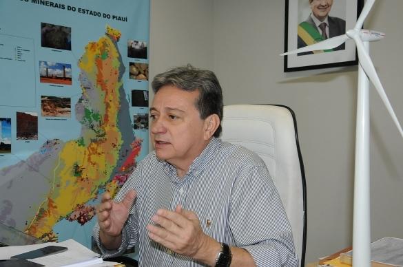 Sistema de energia solar vai gerar economia de R$ 100 mil no Piauí