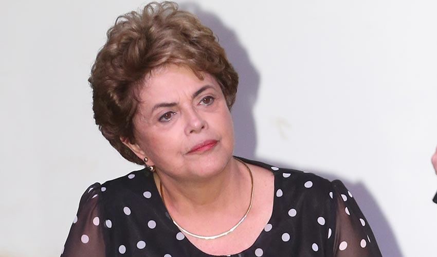 """Em dois dias, """"vaquinha virtual"""" para viagens de Dilma bate meta de R$ 500 mil"""