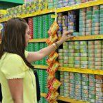 Inflação dos alimentos sobe 9,75% e afeta os mais pobres no Brasil