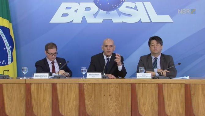 brasileiro-tera-que-contribuir-por-49-anos-para-ganhar-o-teto-do-inss