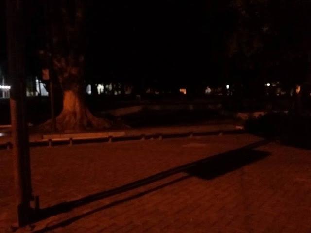CADÊ O PREFEITO: Escuridão e perigo na Praça da Graça no centro de Parnaíba
