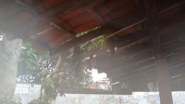 Prefeito Mão Santa 'inaugura' posto de saúde em prédio(alugado) com estrutura precária