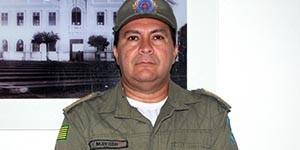 Acusado de participar do homicídio do major Mayron Moura se entrega à polícia