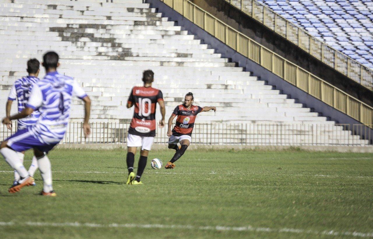 Flamengo-PI e Parnahyba empatam por 1 a 1 e estão eliminados