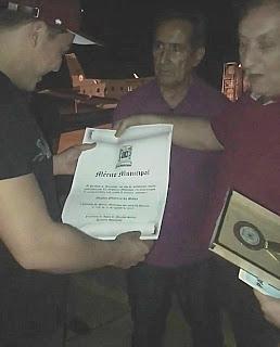 Ex-governador do Piauí cassado por corrupção homenageia Wesley Safadão com medalha do mérito municipal