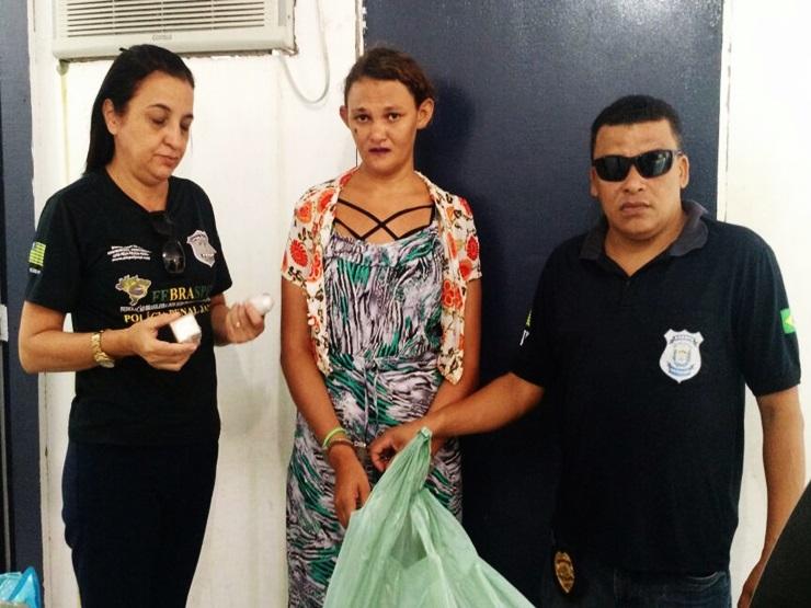 Mulher é flagrada com drogas no sutiã dentro da penitenciária