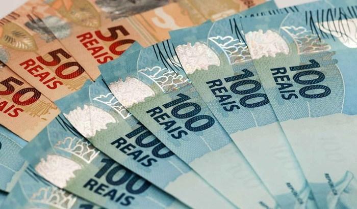 """TCE investiga """"farra das medalhas"""" com dinheiro público"""