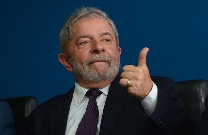 Lula lidera todos os cenários para eleições 2018, diz pesquisa CNT