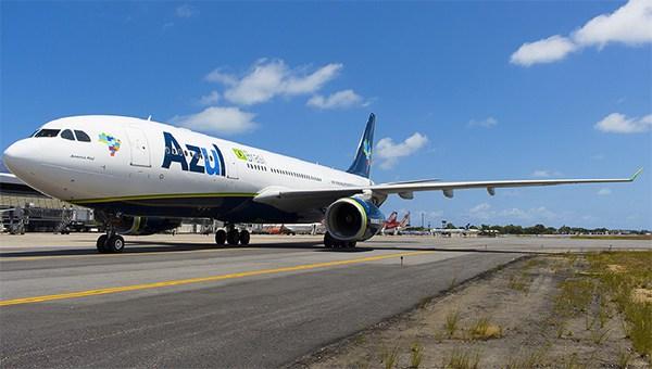 Avião da Azul com destino a Teresina bate em pássaro e é obrigado a retornar