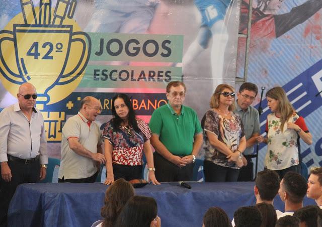 MAIS UM CALOTE DO PREFEITO MÃO SANTA: Árbitros dos Jogos Escolares de Parnaíba denunciam falta de pagamento