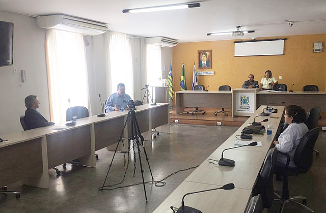 Vereadores faltam sessão e impedem votação de convênio de apoio a Parada da Diversidade de Parnaíba