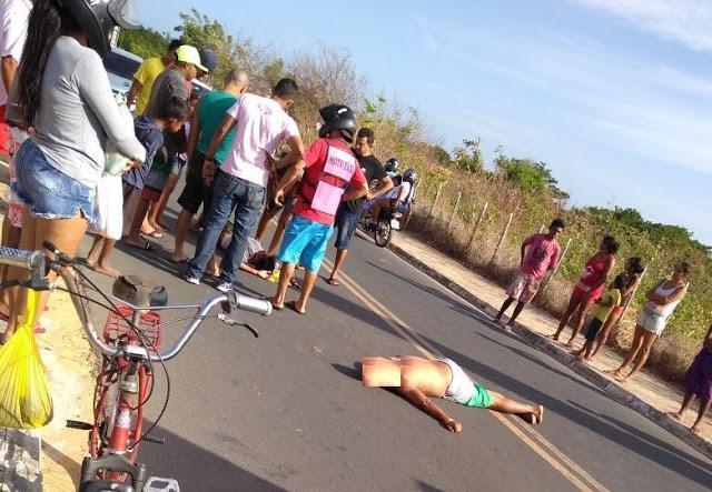 Motociclista e garupa ficam gravemente feridos em acidente