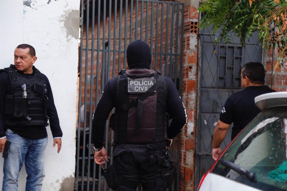 Operação Polícia Civil 24h prende mais de 30 pessoas em ação simultânea em todo o estado