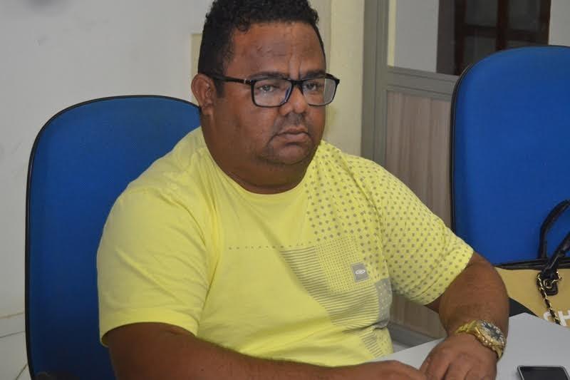 OPINIÃO: Maksuel Brandão, o saco de pancadas da gestão Mão Santa