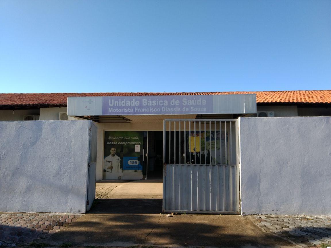CAOS: Moradores denunciam condições do Posto de Saúde no Raul Bacelar