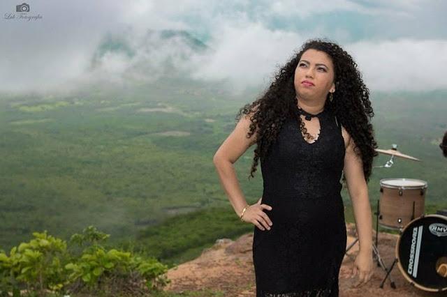Cantora parnaibana lança clipe musical gospel. Confira!