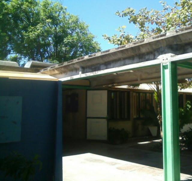 Descaso com a Escola Creche Caiquinho no Bairro Piauí