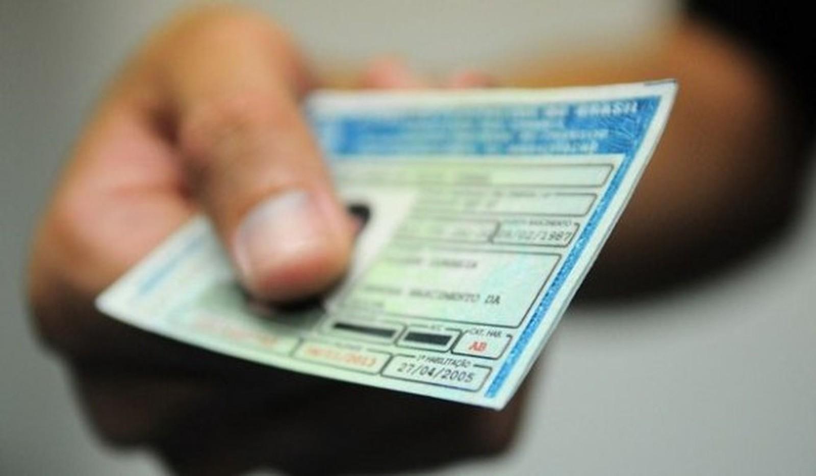 Ministério das Cidades revoga resolução que exigia prova para renovar carteira de habilitação
