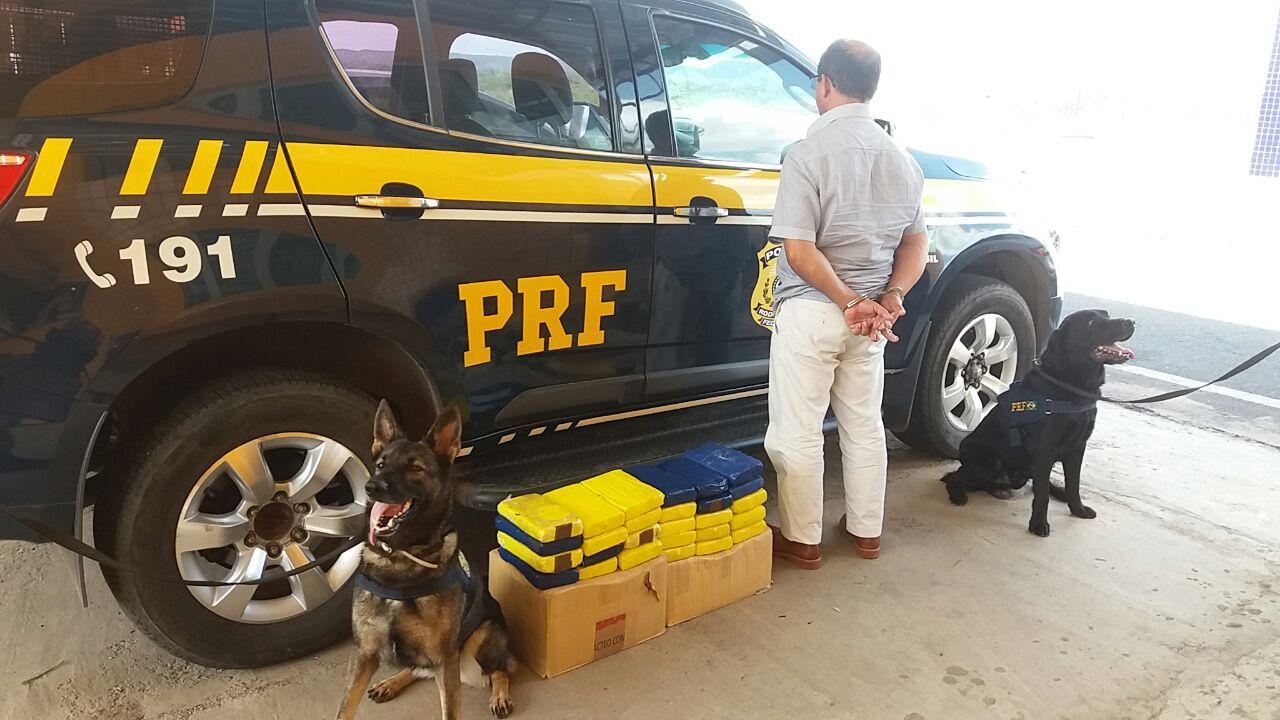 Passageiro de ônibus é preso com 29kg de cocaína