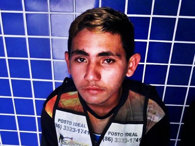 Jovem trabalhando como mototaxista é flagrado pela Polícia Militar com moto roubada, em Parnaíba