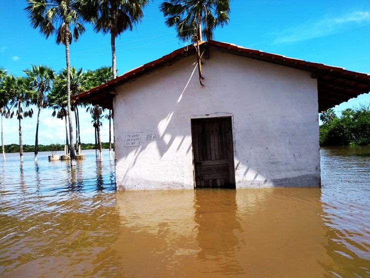 Cheia dos rios Parnaíba e Igaraçu preocupa a população; VEJA AS IMAGENS
