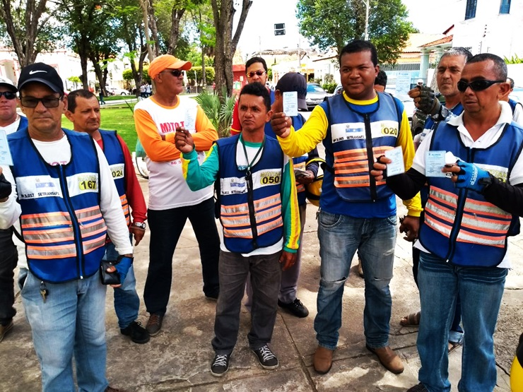 Mototaxistas de Parnaíba denunciam ao Ministério Público a falta de fiscalização da Prefeiturana categoria
