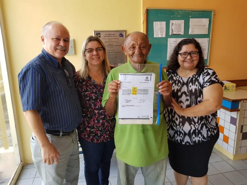 PARNAÍBA: Diretores da Emgerpi fazem entrega de Ofícios de Hipoteca para mutuários