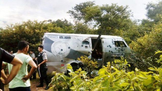 Bandidos atacam carro-forte da CET-SEG em São Bernardo