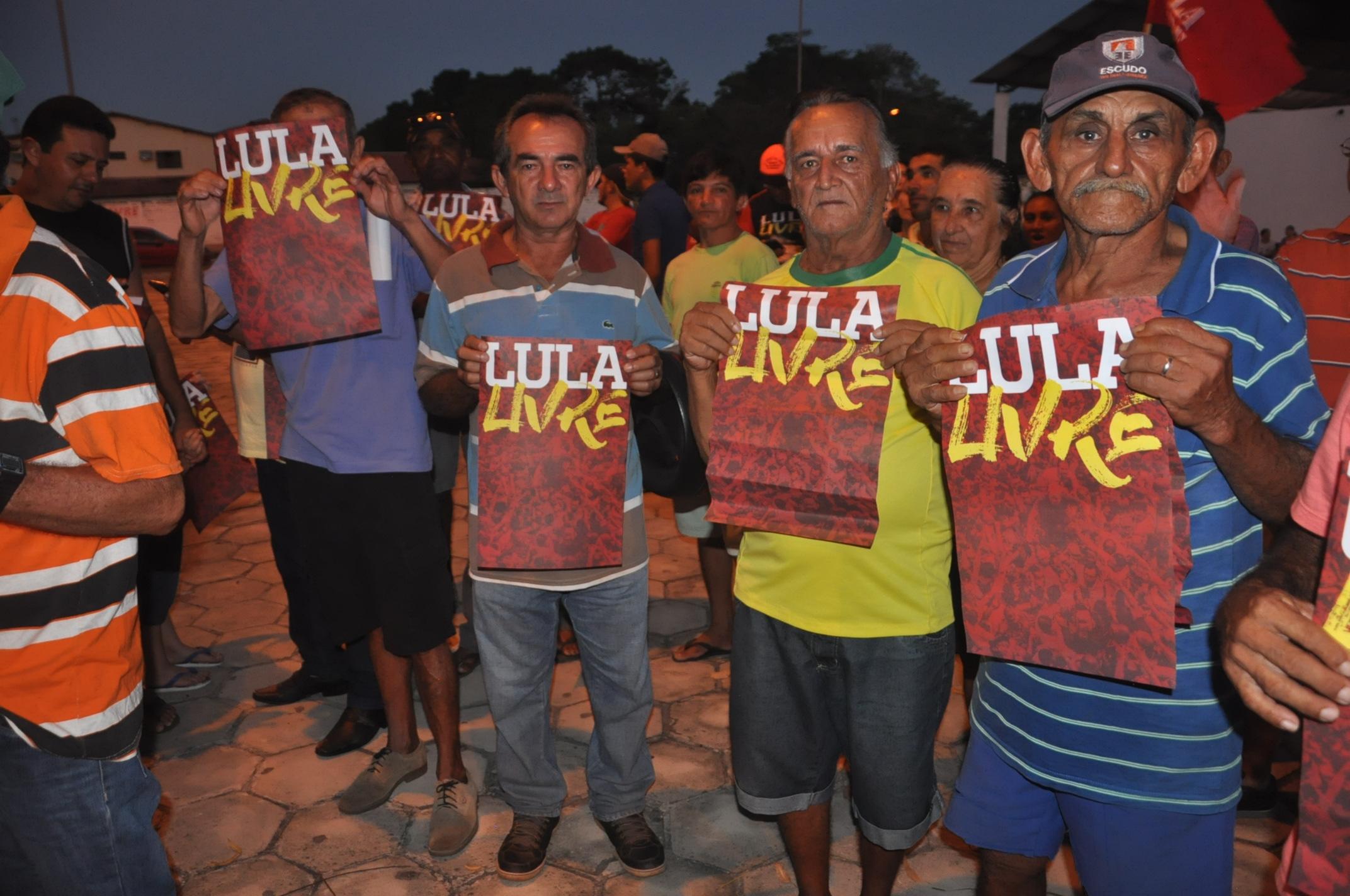 Caravana Lula Livre chega à Bom Princípio do Piauí