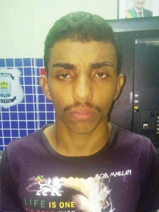 Jovem é flagrado furtando após arrombar pizzaria, em Parnaíba